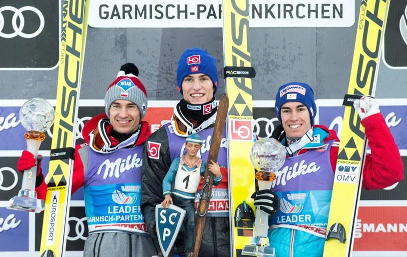 Główni faworyci TCS: Kamil Stoch (z lewej), Daniel Andre Tande (w środku) i Stefan Kraft /PAP/EPA