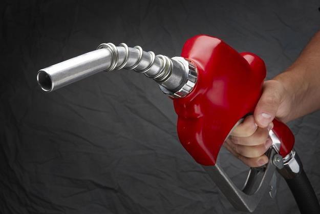 Główni producenci ropy naftowej zaczynają sugerować zwiększenie wydobycia od trzeciego kwartału /©123RF/PICSEL