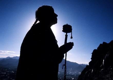 Głównym celem buddyzmu jes przebudzenie i osiągnięcie oświecenia /Getty Images/Flash Press Media