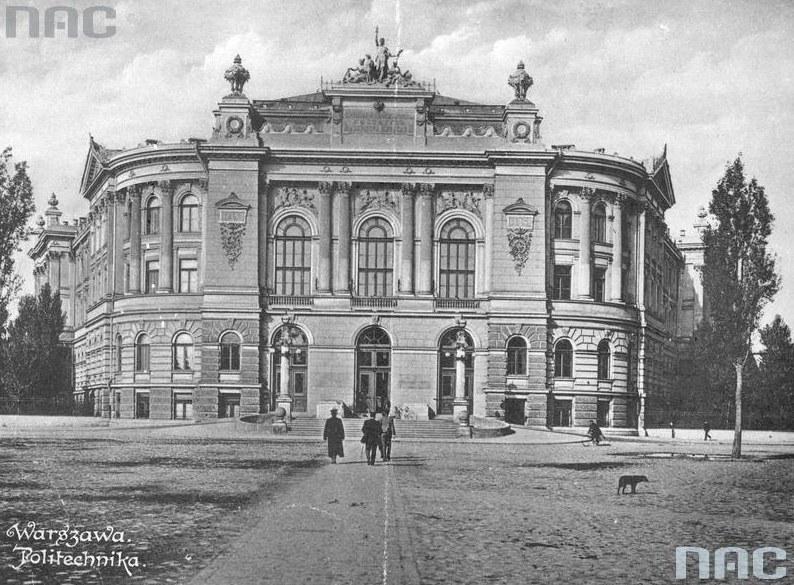 Gmach główny Politechniki Warszawskiej. Zdjęcie z 1915 roku /Z archiwum Narodowego Archiwum Cyfrowego