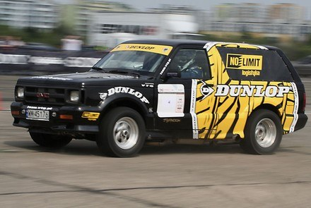 GMC typhoon /