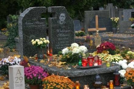 Gób Milewicza na warszawskich Powązkach; fot. T. Zieliński /Agencja SE/East News