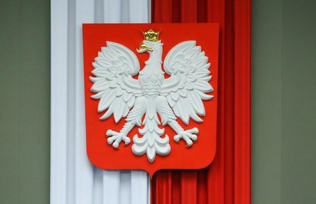 Godło Polski: Orzeł biały w koronie /Stanisław Kowalczuk /East News