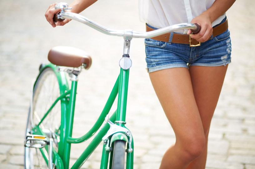 Godzina na rowerze i kalorie ze śniadania spalone. /123RF/PICSEL