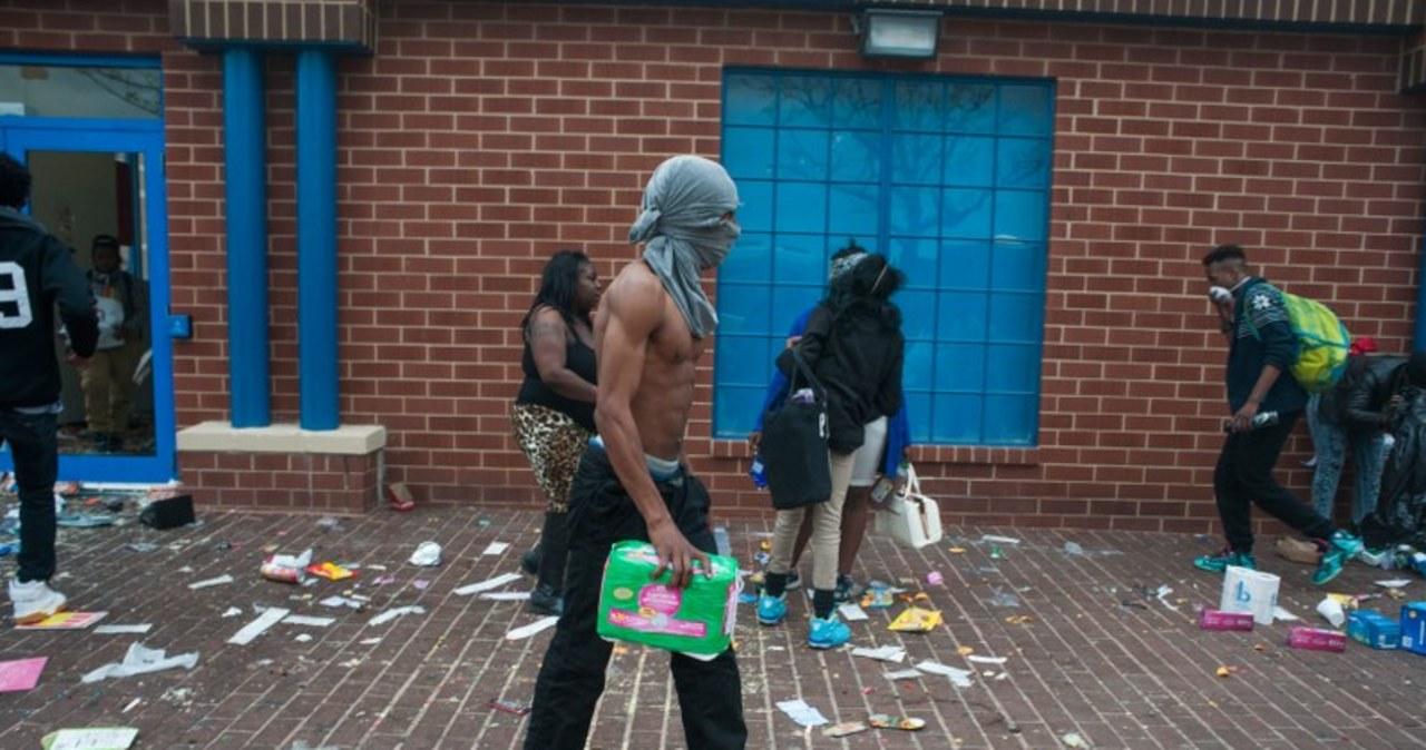 Godzina policyjna i stan wyjątkowy w Baltimore
