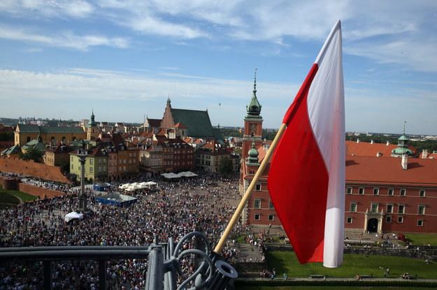 """Godzina """"W"""" na Placu Zamkowym /Tomasz Gzell /PAP"""