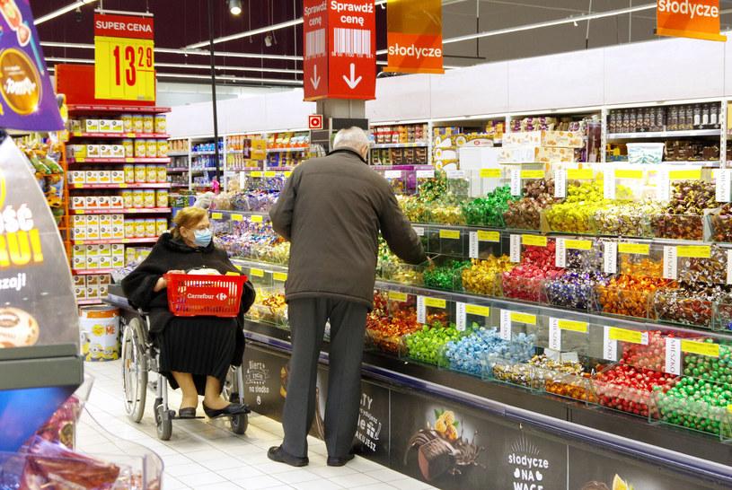 Godziny dla seniorów w sklepach - ważna decyzja resortu /Marek Bazak /Agencja SE/East News