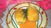 Gołąbki z rodzynkami i sosem karmelowym
