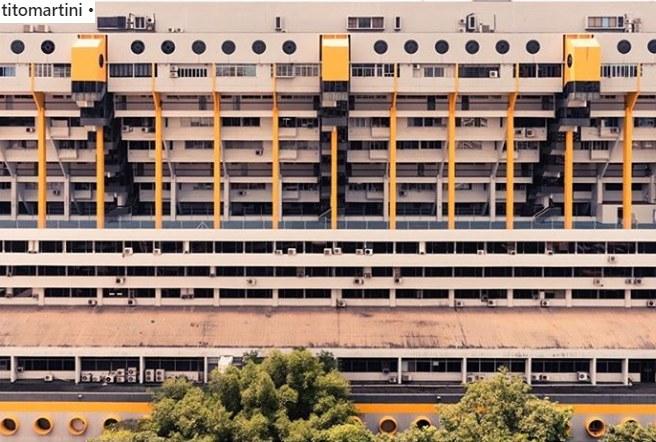 """Golden Mile Complex z luksusowego budynku stał się """"wertykalnym slumsem"""" /Tito Martini /Instagram"""
