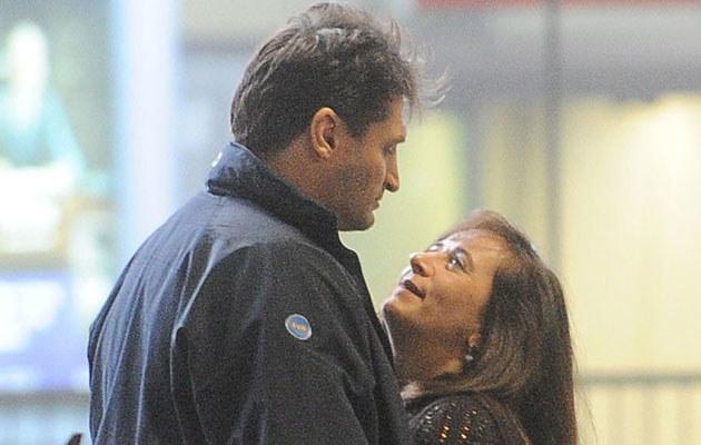 Gołota wita na lotnisku żonę, która przyleciała kobicować mu w show, fot. Mateusz Jagielski
