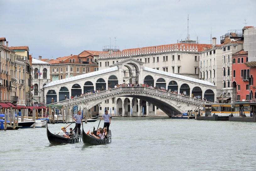 Gondole na Canal Grande w Wenecji /123RF/PICSEL