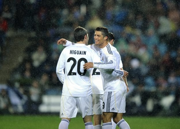 Gonzalo Higuain i Cristiano Ronaldo byli bohaterami meczu na Coliseum Alfonso Perez /AFP