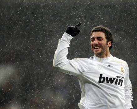 Gonzalo Higuain przez jakiś czas nie będzie strzelał dla Realu /AFP