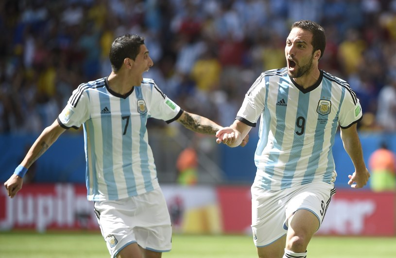 Gonzalo Higuain (z prawej) i Angel di Maria /AFP
