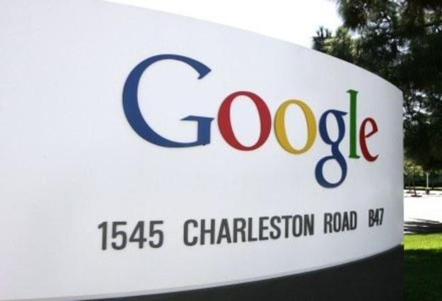 Google depcze Apple po piętach /AFP