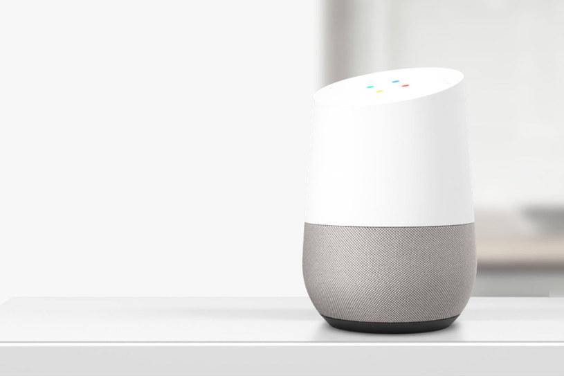 Google Home pozwala na komunikację z Asystentem /materiały prasowe