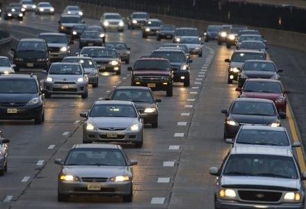 Google ma nowy sposób na korki drogowe. Czy skuteczny? /AFP