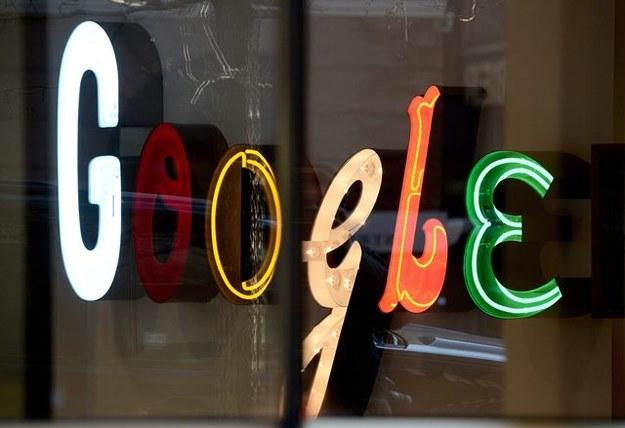 Google musi przestrzegać prawa do wymazywania danych /ANDREW GOMBERT /PAP/EPA