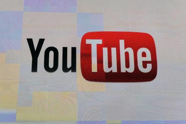 Google ogłosiło, że 40 proc. ruchu na stronie YouTube pochodzi z urządzeń mobilnych /AFP