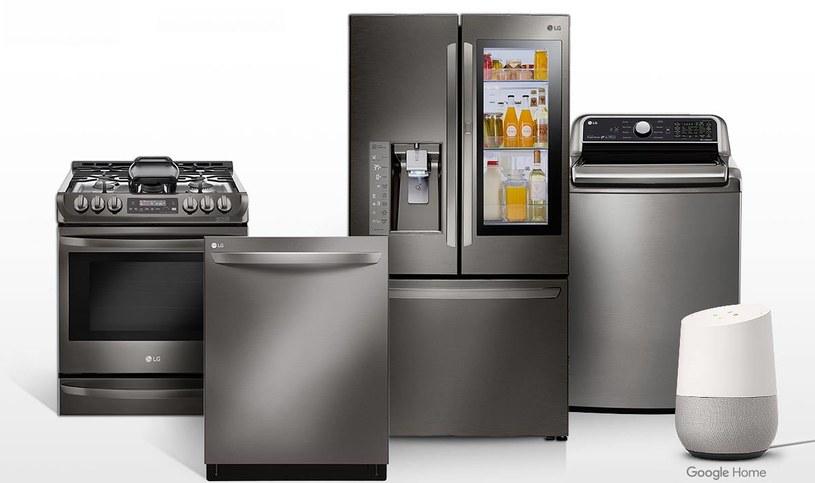 Google stawia na inteligentną pomoc w kuchni i łazience /123RF/PICSEL