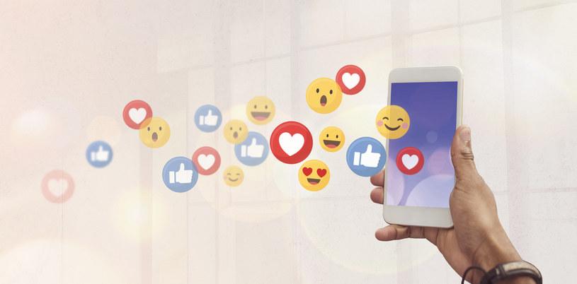 Google wprowadzi nowy sposób na aktualizację emoji? /123RF/PICSEL