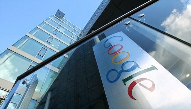 Google wykorzystuje swoją dominującą pozycję? /AFP