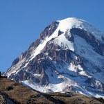 Goprowcy idą na Kazbek szukać trzeciego alpinisty