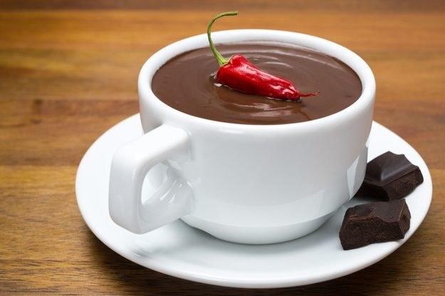 Gorąca czekolada poprawi metabolizm węglowodanów, które są źródłem energii dla organizmu. /Picsel /123RF/PICSEL