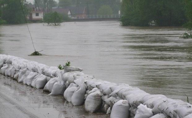 Gorąca Linia: Trwa popowodziowe szacowanie strat w gminie Borzęcin