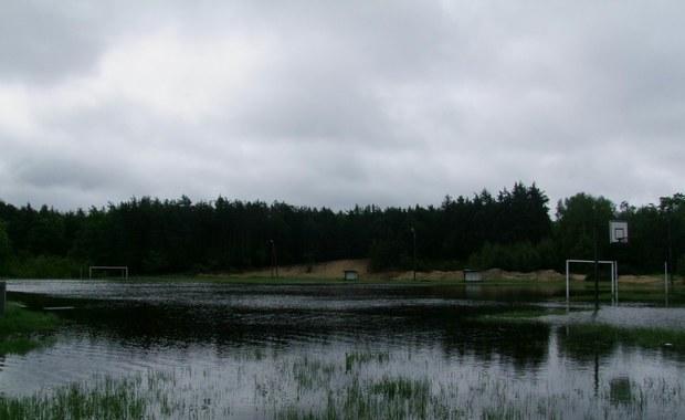 Gorąca Linia: Woda zalewa gminę Borzęcin