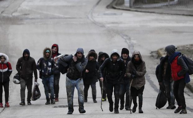 Gorąco na granicy Grecji z Turcją: Migranci obrzucili pograniczników kamieniami, policja odpowiedziała gazem łzawiącym