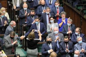 Gorąco w Sejmie. Fala komentarzy po wystąpieniu Mateusza Morawieckiego