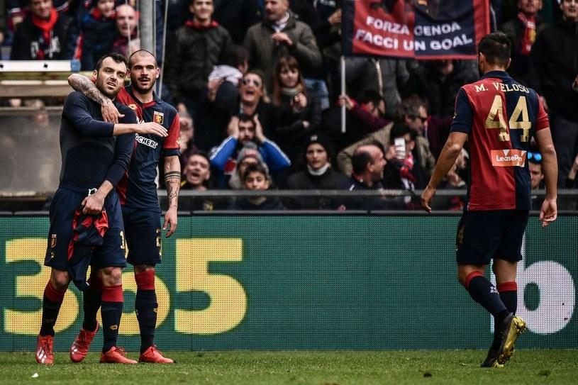 Goran Pandew (pierwszy z lewej) w meczu Genoa FC /AFP /AFP