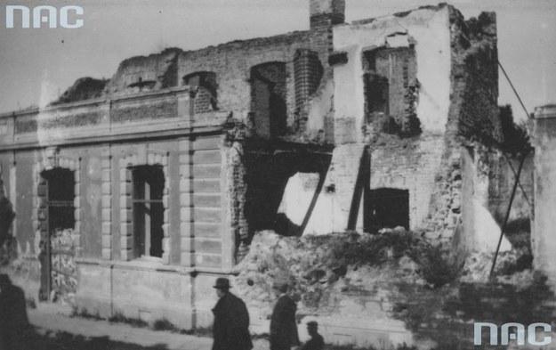 Gorlice. Budynki zniszczone w czasie I wojny światowej /Z archiwum Narodowego Archiwum Cyfrowego