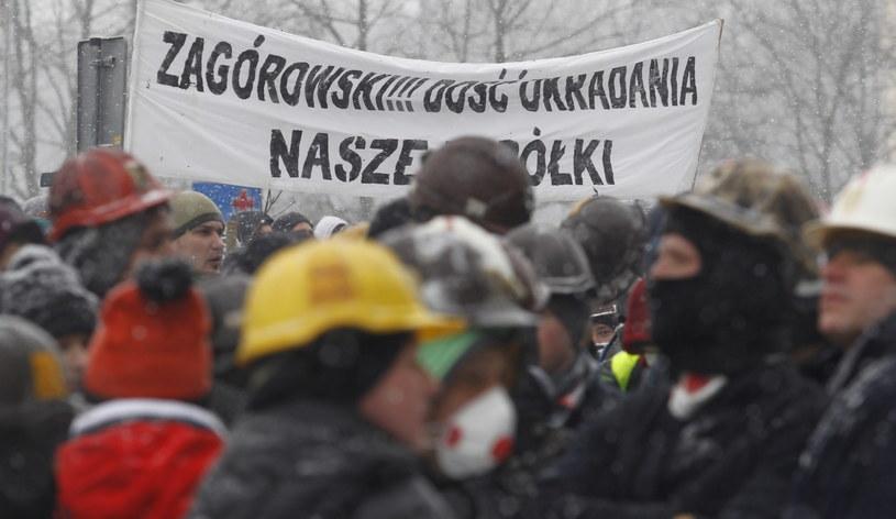 Górnicy protestowali przed siedzibą Jastrzębskiej Spółki Węglowej /Andrzej Grygiel /PAP