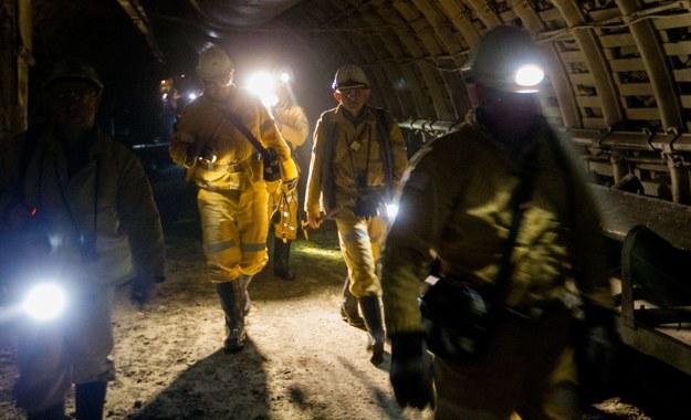 Wypadek w kopalni: Kilkunastu ciężko rannych, 1 górnik wciąż poszukiwany
