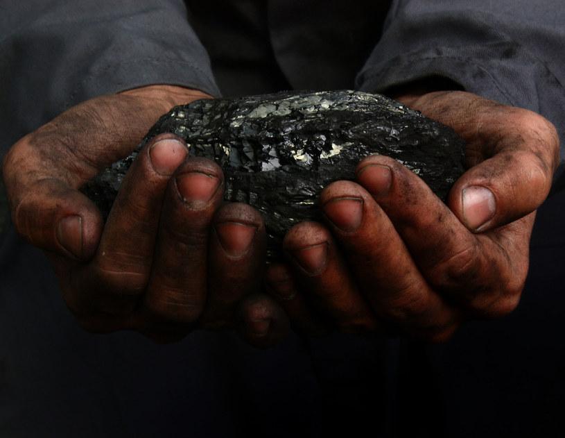 Górnicy z JSW negocjują podwyżki płac /123RF/PICSEL