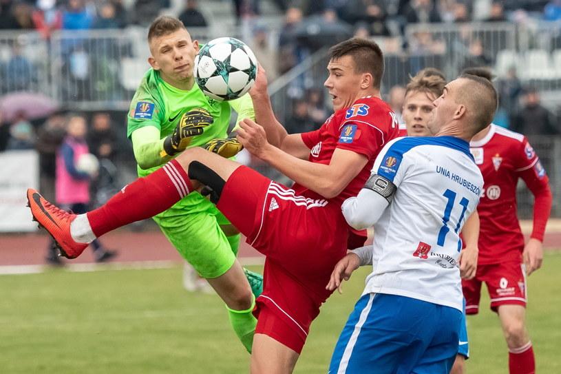 Górnik nie miał litości dla Unii Hrubieszów /Wojciech Pacewicz /PAP