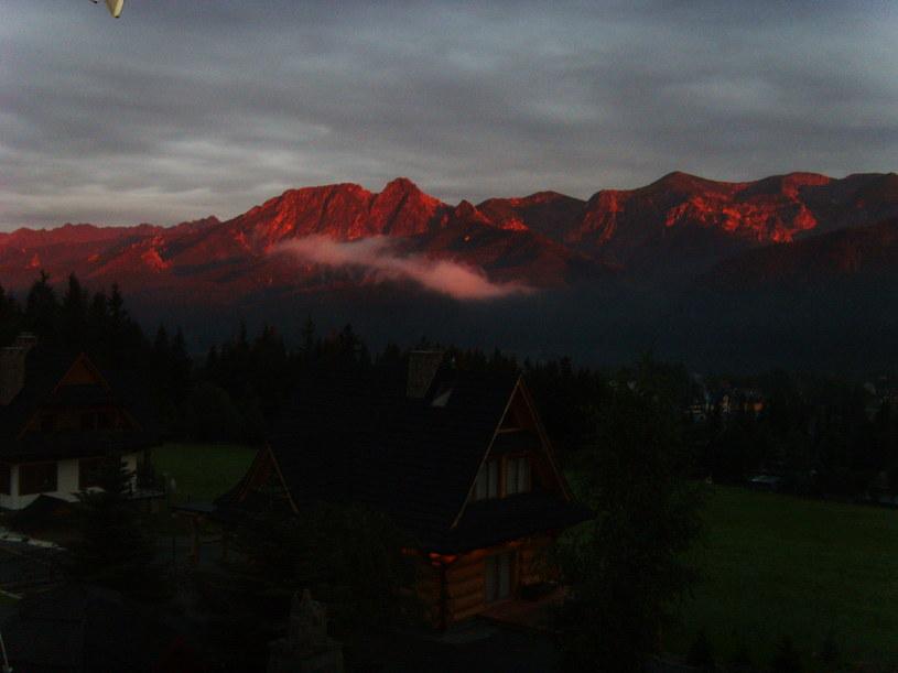 Góry o zachodzie słońca /Tomasz Rybak /INTERIA.PL