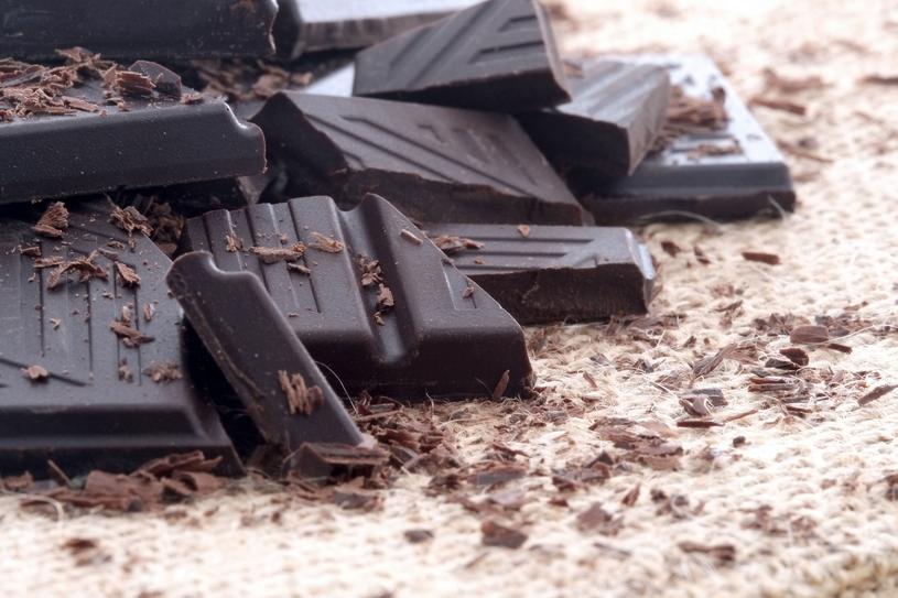 Gorzka czekolada chroni skórę przed szkodliwym działaniem promieni UV /123RF/PICSEL
