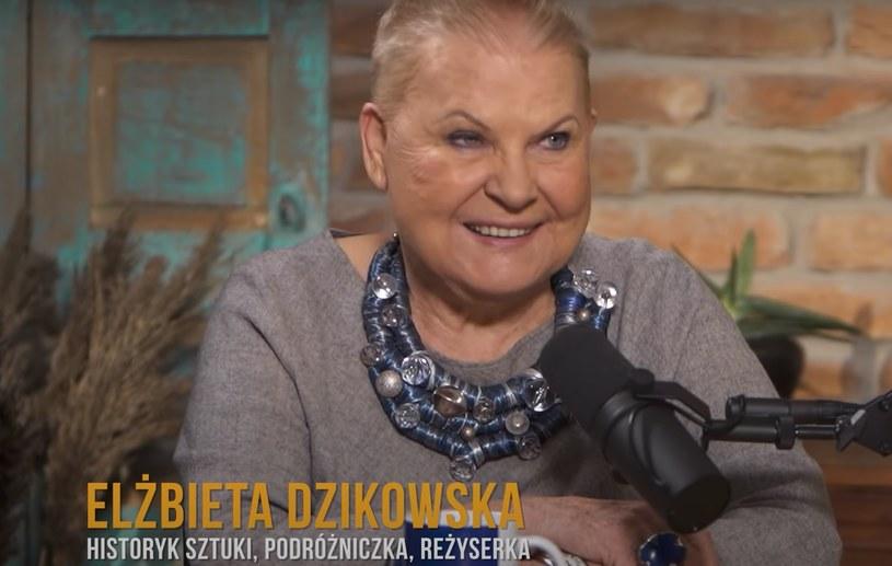 """Gość premierowego odcinka Martyny Wojciechowskiej - Elżbieta Dzikowska; Screenshot z kanału """"Dalej Martyna Wojciechowska"""" /YouTube.com /"""