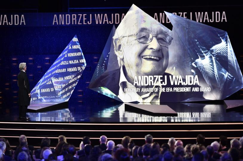 Goście ceremonii odali hołd Andrzejowi Wajdzie /Maciej Kulczyński /PAP