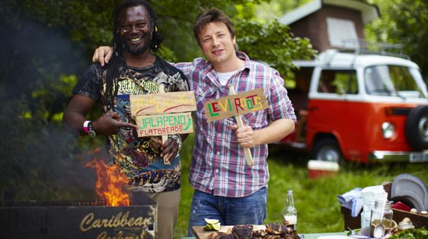 Gościem Jamiego Olivera będzie Levi Roots /  /materiały prasowe