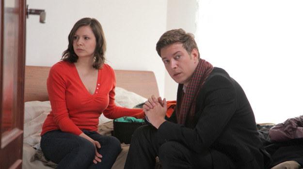 Gosia (Anna Kerth) rozstała się z mężem (Maciej Jachowski) /Agencja W. Impact
