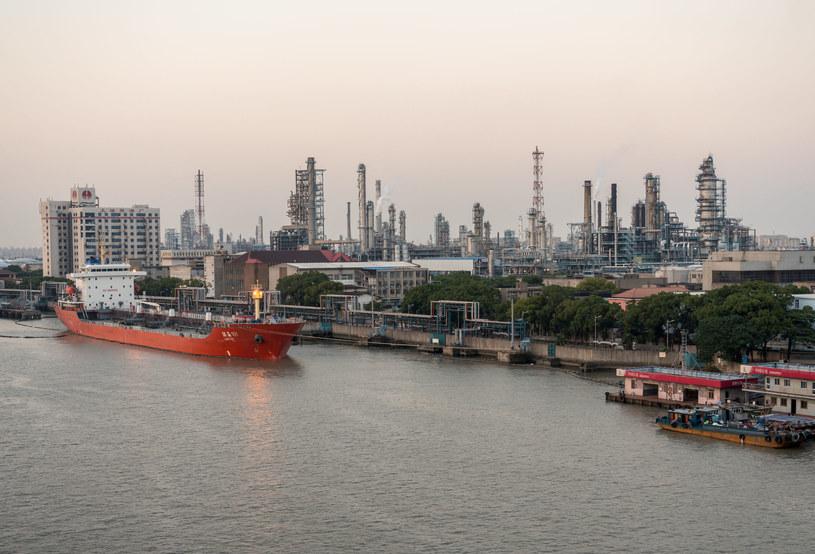 Gospodarcze odbicie, Chiny rzuciły się na ropę /123RF/PICSEL