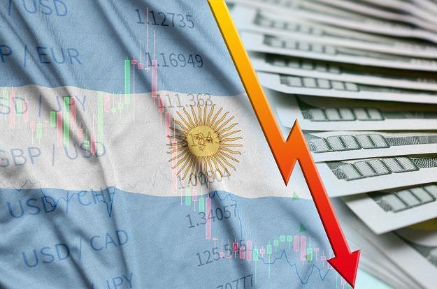 Gospodarka Argentyny, trzecia co do wielkości w Ameryce Płd., przeżyła w poniedziałek głęboką zapaść /©123RF/PICSEL