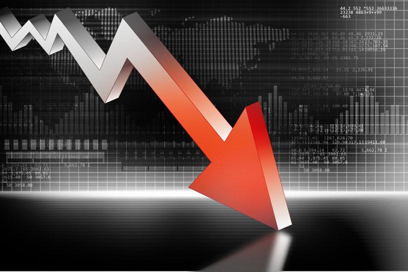 Gospodarka globalna dostała trzy ciosy /123RF/PICSEL