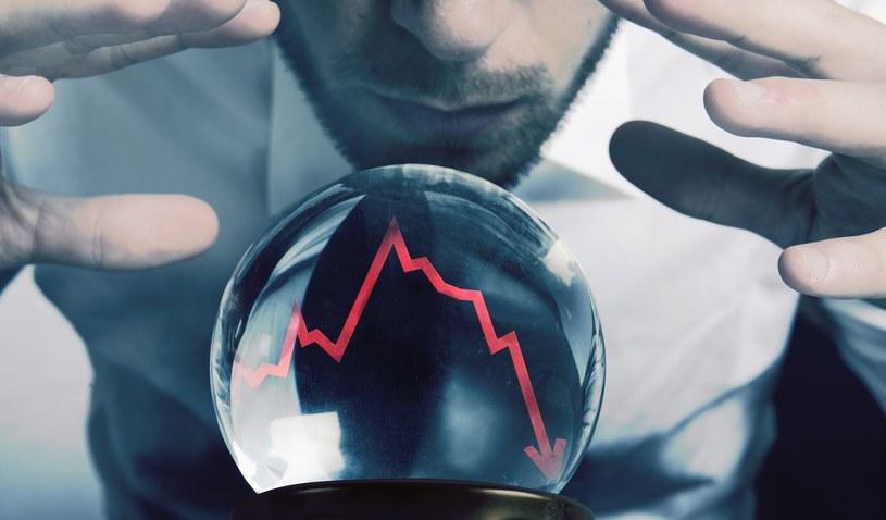 Gospodarka ponownie stanie nad przepaścią /123RF/PICSEL