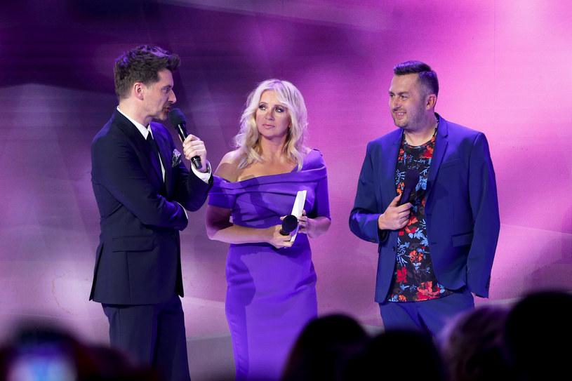 """Gospodarzami czwartkowego wieczoru byli Tomasz Kammel i Marzena Rogalska. Ogłosili, że nowym prowadzącym """"Jaka to melodia?"""" będzie """"Norbi"""" /Podlewski /AKPA"""