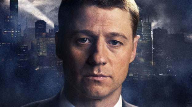 """""""Gotham"""": Początkowo premierowy sezon miał liczyć 13 odcinków. Stacja FOX już zamówiła 16, a i to może się zmienić. McKenzie jest nie tylko aktorem, ale też jednym z producentów /materiały prasowe"""